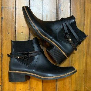 Bernardo Peony Rain Chelsea Boot, Black, Size 8